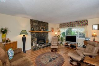 Photo 5: 415 Atkins Ave in VICTORIA: La Atkins Half Duplex for sale (Langford)  : MLS®# 822113