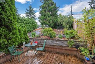 Photo 2: 415 Atkins Ave in VICTORIA: La Atkins Half Duplex for sale (Langford)  : MLS®# 822113