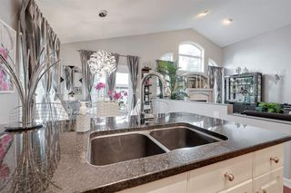 Photo 12: 205 CARMICHAEL Close in Edmonton: Zone 14 House for sale : MLS®# E4172005