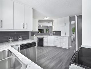 Photo 6: 356 Knottwood Road in Edmonton: Zone 29 House for sale : MLS®# E4182646