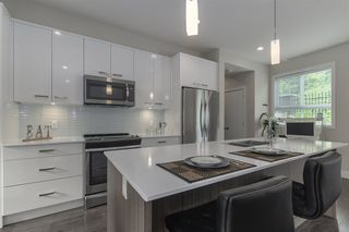 """Main Photo: 19 1968 NORTH PARALLEL Road in Abbotsford: Abbotsford East Townhouse for sale in """"Parallel North"""" : MLS®# R2443681"""