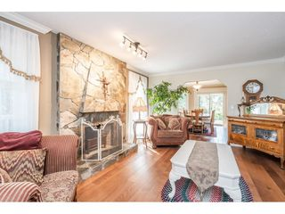 """Photo 4: 20917 94 Avenue in Langley: Walnut Grove House for sale in """"Heritage Circle - Walnut Grove"""" : MLS®# R2447334"""