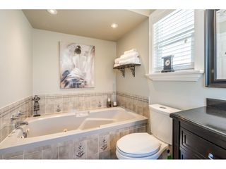 """Photo 13: 20917 94 Avenue in Langley: Walnut Grove House for sale in """"Heritage Circle - Walnut Grove"""" : MLS®# R2447334"""