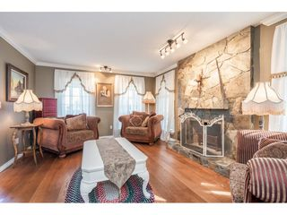 """Photo 3: 20917 94 Avenue in Langley: Walnut Grove House for sale in """"Heritage Circle - Walnut Grove"""" : MLS®# R2447334"""