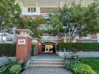 "Main Photo: 308 1858 W 5TH Avenue in Vancouver: Kitsilano Condo for sale in ""Greenwich"" (Vancouver West)  : MLS®# R2457963"