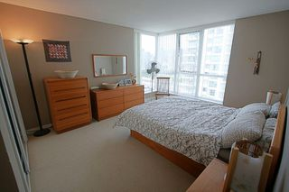 "Photo 15: 1601 120 MILROSS Avenue in Vancouver: Mount Pleasant VE Condo for sale in ""BRIGHTON"" (Vancouver East)  : MLS®# V783328"