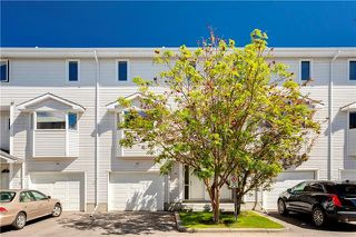 Photo 1: 16 GLENBROOK Villas SW in Calgary: Glenbrook Row/Townhouse for sale : MLS®# C4302009