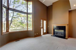 Photo 4: 16 GLENBROOK Villas SW in Calgary: Glenbrook Row/Townhouse for sale : MLS®# C4302009
