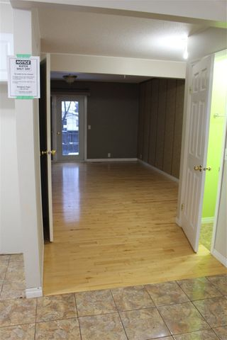 Photo 3: 1724 37 Street in Edmonton: Zone 29 Townhouse for sale : MLS®# E4221793