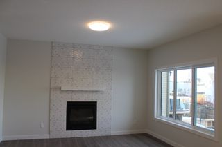 Photo 4: 64 MEADOWLAND Way: Spruce Grove House for sale : MLS®# E4222707