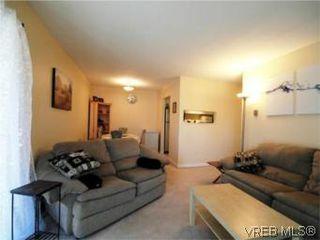 Photo 6: 208 2757 Quadra St in VICTORIA: Vi Hillside Condo for sale (Victoria)  : MLS®# 517322