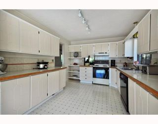Photo 9: 4744 TOURNEY Road in North Vancouver: Lynn Valley House for sale : MLS®# V793592