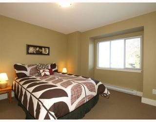 Photo 9: 431 W 16TH Street in North Vancouver: Central Lonsdale House 1/2 Duplex for sale : MLS®# V804466