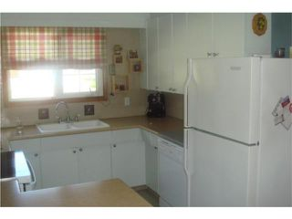 Photo 2: 114 Columbus Crescent in WINNIPEG: Westwood / Crestview Residential for sale (West Winnipeg)  : MLS®# 1009542