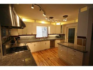 Photo 2: 2011 6 Avenue NW in CALGARY: West Hillhurst Residential Detached Single Family for sale (Calgary)  : MLS®# C3440297