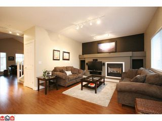 "Photo 4: 6688 182ND Street in Surrey: Cloverdale BC House for sale in ""VINEYARD ESTATES"" (Cloverdale)  : MLS®# F1027879"