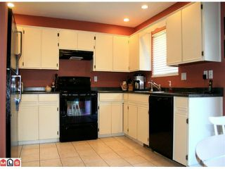Photo 5: 21579 94A Avenue in Langley: Walnut Grove House for sale : MLS®# F1028098