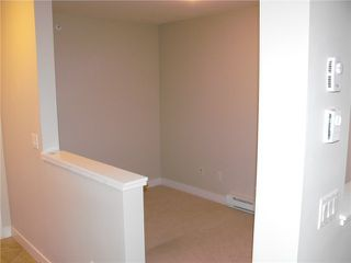 "Photo 5: 421 12248 224TH Street in Maple Ridge: East Central Condo for sale in ""URBANO"" : MLS®# V862547"