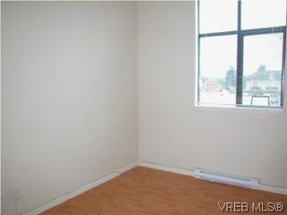 Photo 5: 317 829 Goldstream Ave in VICTORIA: La Langford Proper Condo Apartment for sale (Langford)  : MLS®# 488000