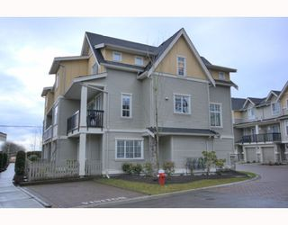 "Photo 2: 4 7171 STEVESTON Highway in Richmond: Broadmoor Townhouse for sale in ""CASSIS"" : MLS®# V754791"