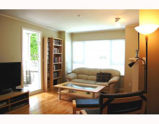 """Photo 3: 207 937 W 14TH Avenue in Vancouver: Fairview VW Condo for sale in """"VILLA 937"""" (Vancouver West)  : MLS®# V769080"""