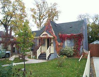 Photo 1: 242 ROBERTA Avenue in WINNIPEG: East Kildonan Single Family Detached for sale (North East Winnipeg)  : MLS®# 2717227