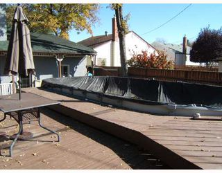 Photo 9: 242 ROBERTA Avenue in WINNIPEG: East Kildonan Single Family Detached for sale (North East Winnipeg)  : MLS®# 2717227
