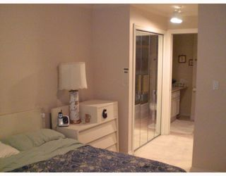 """Photo 3: 211 1001 W 43RD Avenue in Vancouver: South Granville Condo for sale in """"OAK GARDENS"""" (Vancouver West)  : MLS®# V775272"""