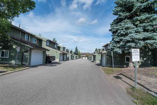 Photo 3: 16943 95 Street in Edmonton: Zone 28 Townhouse for sale : MLS®# E4167368