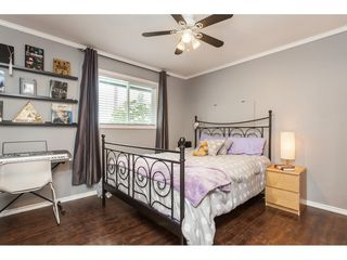 "Photo 14: 26984 28B Avenue in Langley: Aldergrove Langley House for sale in ""ALDERGROVE"" : MLS®# R2434405"