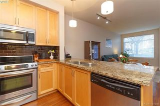 Photo 10: 106 611 Goldstream Ave in VICTORIA: La Fairway Condo for sale (Langford)  : MLS®# 833935