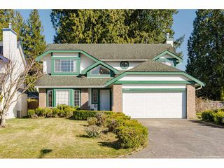 Main Photo: 9514 209 Street in Langley: Walnut Grove House for sale : MLS®# R2446244