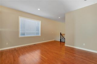 Photo 7: 817 Beckner Crescent: Carstairs Detached for sale : MLS®# C4300369