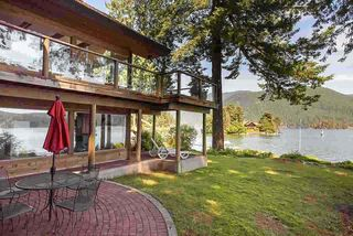 Photo 3: 5451 INDIAN RIVER Drive in North Vancouver: Woodlands-Sunshine-Cascade House for sale : MLS®# R2499054