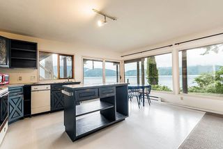 Photo 16: 5451 INDIAN RIVER Drive in North Vancouver: Woodlands-Sunshine-Cascade House for sale : MLS®# R2499054