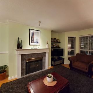 "Photo 2: 220 15268 105 Avenue in Surrey: Guildford Condo for sale in ""Georgian Gardens"" (North Surrey)  : MLS®# R2514267"