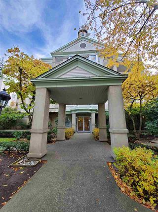 "Photo 1: 220 15268 105 Avenue in Surrey: Guildford Condo for sale in ""Georgian Gardens"" (North Surrey)  : MLS®# R2514267"