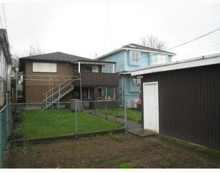 Photo 2: 3030 E 7TH Avenue in Vancouver: Renfrew VE House for sale (Vancouver East)  : MLS®# V812173