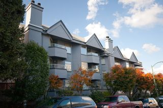 "Main Photo: 105 925 W 10TH Avenue in Vancouver: Fairview VW Condo for sale in ""LAUREL PLACE"" (Vancouver West)  : MLS®# V857038"