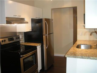 """Photo 2: 104 349 E 6TH Avenue in Vancouver: Mount Pleasant VE Condo for sale in """"LANDMARK HOUSE"""" (Vancouver East)  : MLS®# V857441"""