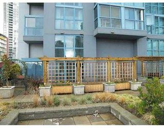 """Photo 2: 401 1238 SEYMOUR ST in Vancouver: Downtown VW Condo for sale in """"SPACE"""" (Vancouver West)  : MLS®# V582943"""