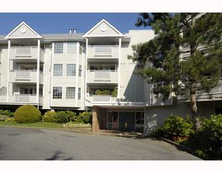 """Photo 1: 220 7571 MOFFATT Road in Richmond: Brighouse South Condo for sale in """"BRIGANTINE SQUARE"""" : MLS®# V729129"""