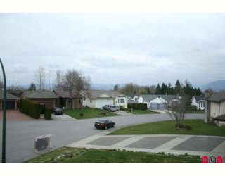 """Photo 8: 34604 SEMLIN Place in Abbotsford: Abbotsford East House for sale in """"BATEMAN"""" : MLS®# F2907577"""