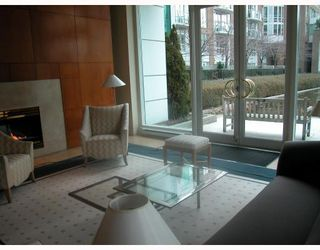 """Photo 9: 1508 1500 HORNBY Street in Vancouver: False Creek North Condo for sale in """"888 BEACH"""" (Vancouver West)  : MLS®# V771057"""