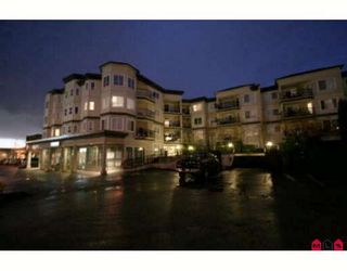 "Photo 1: 213 5759 GLOVER Road in Langley: Langley City Condo for sale in ""COLLEGE COURT"" : MLS®# F2915543"