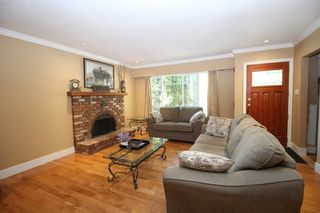 """Photo 3: 20694 39 Avenue in Langley: Brookswood Langley House for sale in """"Brookswood"""" : MLS®# R2397565"""