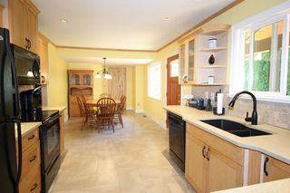"""Photo 6: 20694 39 Avenue in Langley: Brookswood Langley House for sale in """"Brookswood"""" : MLS®# R2397565"""