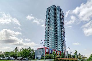 "Photo 1: 3002 6658 DOW Avenue in Burnaby: Metrotown Condo for sale in ""Moda by Polygon"" (Burnaby South)  : MLS®# R2418659"