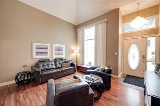 Photo 2: 1117 116 Street in Edmonton: Zone 16 House for sale : MLS®# E4188387