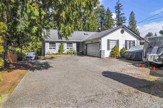 "Photo 1: 19613 46 Avenue in Langley: Langley City House for sale in ""Mason Heights"" : MLS®# R2447884"